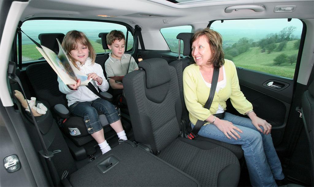 peugeot 308sw 7 seater cars. Black Bedroom Furniture Sets. Home Design Ideas